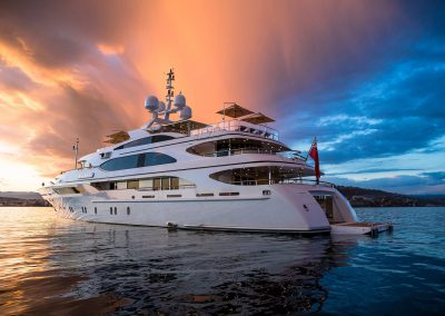 yachtingline-girasole-umbrellas-inox-multivalvola-Luxury-motor-yacht-Galaxy-Jeff-Brown