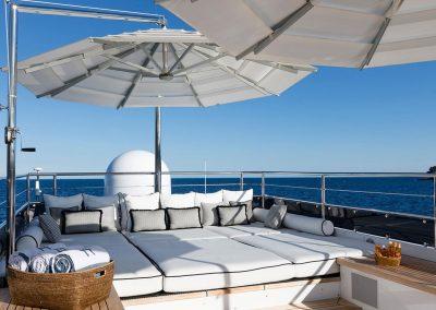 yachtingline_dojo-refit-classic-feadship-yacht-sundeck-emilio-bianchi
